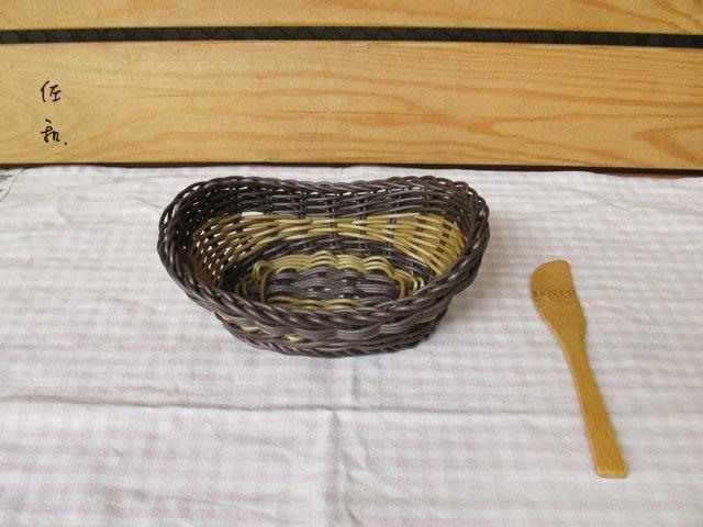 ~佐和陶瓷餐具~【38P6215雙色仿藤麵包籃(小)】/ 麵包籃 儲物籃 /