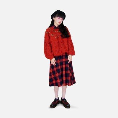 A‧PRANK :DOLLY :: 復古著VINTAGE 紅色 立體花朵鏤空馬海毛編織長袖毛衣