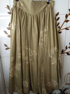 全新Prefer綠色渲染花紋不規則長裙