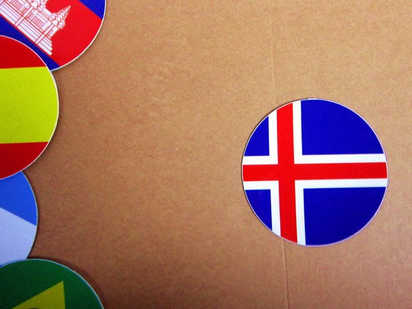 【國旗貼紙專賣店】冰島國旗圓形行李箱貼紙/抗UV防水/Iceland/多國款可收集和客製