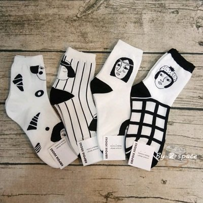 韓襪系列 (全新) 韓國襪子 正韓貨 短襪 百搭 * 簡約時尚 黑白線條 * 20-26cm