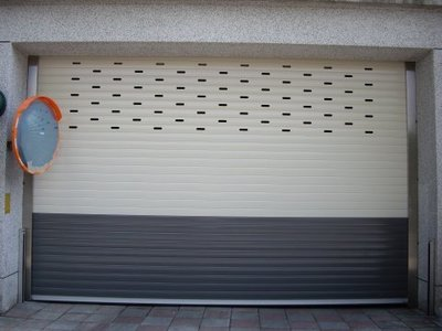 車道門 電捲門 電動鐵捲門防壓防夾感應設備  安全防壓裝置 防壓感應器 規劃施工
