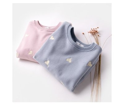 秋冬款。女童裝。韓版愛心純棉T恤 長袖T恤 (粉色/藍色)(90-130cm) 現貨~nanakids娜娜童櫥