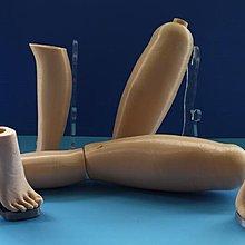 女用膚色大腿+小腿+高跟鞋腳+高跟鞋鞋底未上色素胚單支腿大小可接受訂製