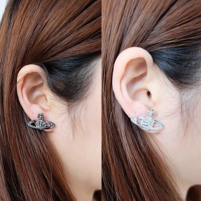 Melia 米莉亞代購 日本 Vivienne Westwood 配件 女性流行飾品 金銀粉藍黑 五色 滿鑽 小土星耳環