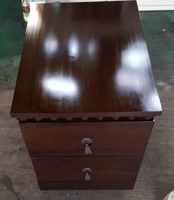 台中二手家具 宏品中古傢俱賣場 B81705胡桃2抽床頭邊櫃 雙抽屜矮櫃 高低櫃 電視櫃 斗櫃*臥室家具拍賣床組床墊