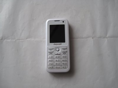 Samsung SGH-J208 精巧全能 簡約美型 3G 手機 音樂播放器與立體聲藍牙 悅耳美妙立體音樂環繞周圍