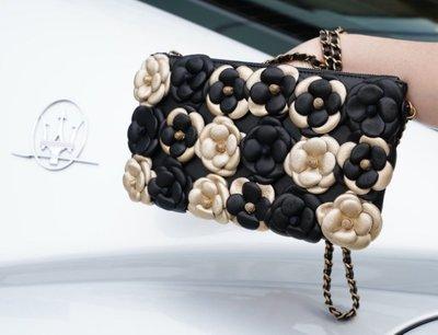 Chanel A92788 Around Camellias Bag 限量山茶花鍊帶肩背包 黑金