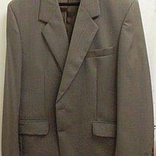 全新法國製造名牌Michel de Boissy 男格仔西裝褸 100%純羊毛 膊闊19吋,袖長25吋,衫身由領起長32 原價$3,000 購自永安百貨公司