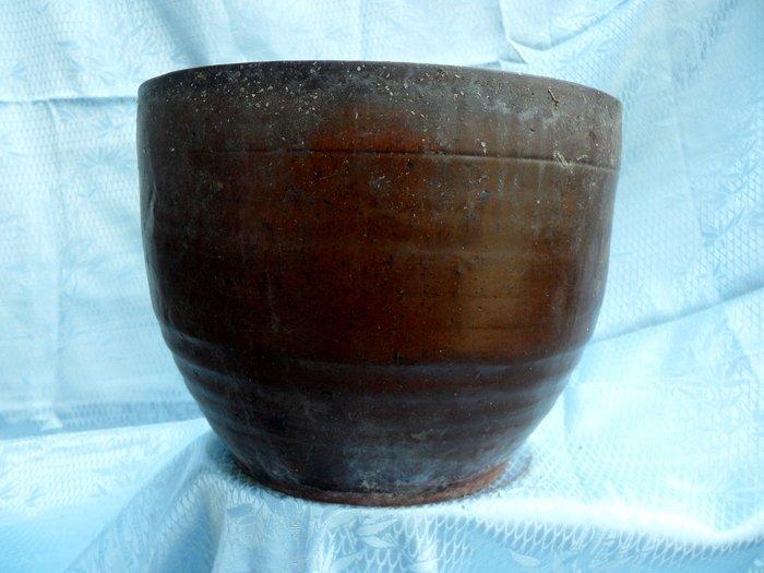 紫色小館-----燉甕(豬油甕)1(約高20公分x口徑寬23公分)