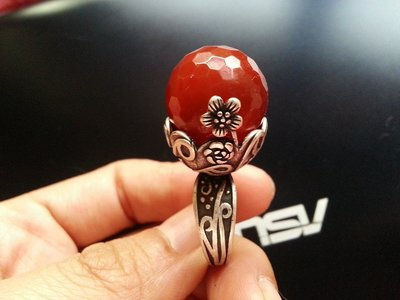 【【山玉軒】】 韓國精品設計師款~頂極全紅【【南紅玉髓切角雕花戒指】】精緻鑲嵌~