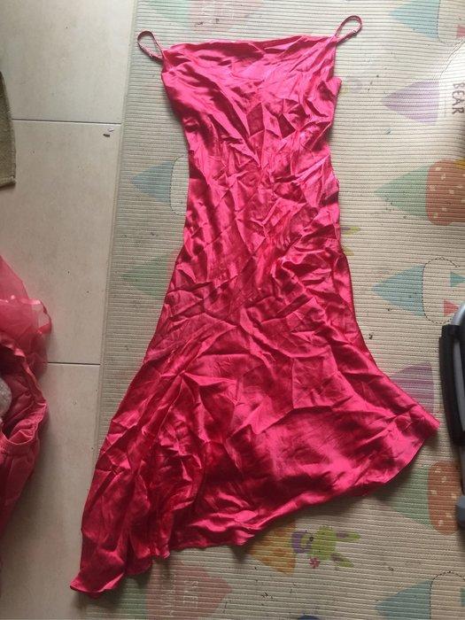 Bcbg 珊瑚色緞面細肩帶洋裝 s