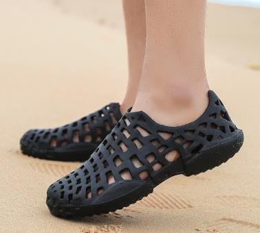 夏季男女浮潛洞洞鞋輕便防滑海邊沙灘鞋套腳漂流涼拖鞋兩棲涉水鞋【藍色彼岸】