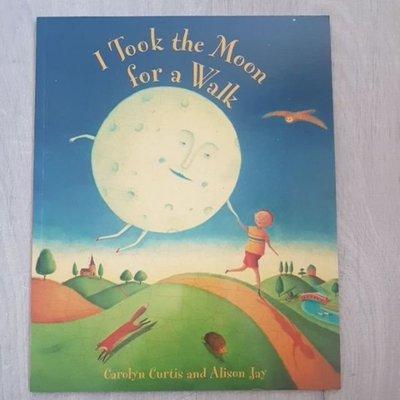 63折*二手童書*I Took the Moon for a Walk*平裝繪本 英文繪本 故事書 床邊故事