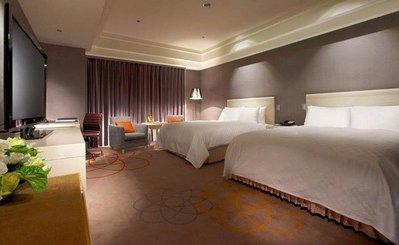 新竹老爺酒店 豪華四人房 含早餐、六福村一日遊票卷,每人1755元,另有威斯汀、夏都、漢來,線上服務您。