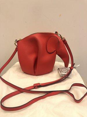 【RECOVER名品二手】LOEWE 紅色大象斜背包 . Elephant Mini Bag . 100%真品 . 原價46000