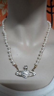 日本 Vivienne Westwood#立體土星珍珠造型#獨特.大方百搭款