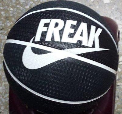 NIKE籃球 (N100413903807黑) 7號球 NBA公鹿隊球星字母哥代言款 室內外都可打 正品 附籃網球針P3
