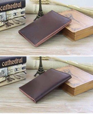 【 純手工製 小牛皮 護照包 證件皮套 商務包 】新品現貨特價。此款質感佳、觸感細緻柔軟、純牛皮手工製作。耐磨實用。