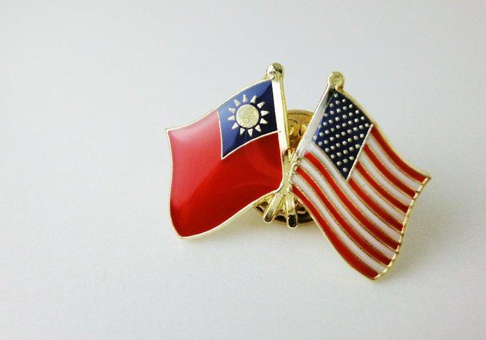 【國旗創意生活館】台灣、美國雙旗徽章100入組/中華民國/Taiwan/USA