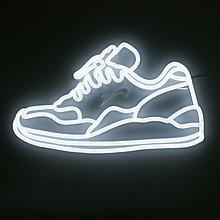 布鞋 LOGO 案例 軟霓虹/霓虹燈/廣告/招牌/看板/燈板/門板/裝飾/燈飾/燈條/燈管-麗雨LED柔性霓虹