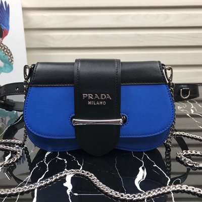 Melia 米莉亞代購 19ss PRADA sidonie 迷你包 鍊條包 腰包 腰帶寬2CM 可調整可拆 藍配黑色