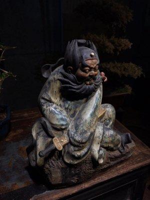 【三顧茅廬】日本拍賣會回流 石灣陶瓷 早期石灣大師親力親為打造的一尊精品鍾馗(落雙款)