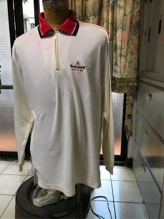 le coq sportif esprit de golf 公雞小白球長䄂衣 二手七分新有染色 米色紅領 Size XL