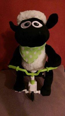 ☆海賊專賣店☆日本進口☆景品 笑笑羊 騎腳踏車 電動 3號電池2顆 娃娃機 台主 專用 高約30多公分左右