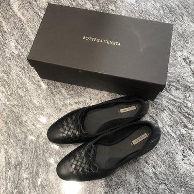 BOTTEGA VENETA 黑色小羊皮(37.5號)半編織娃娃鞋/平底鞋 ~~全新品