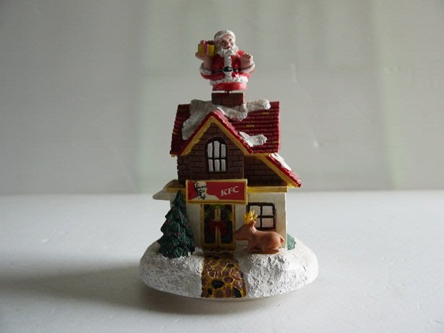 麥物堂珍藏懷舊系列~全新『肯德基耶誕音樂屋 (絕版出售) 』*絕版逸品*