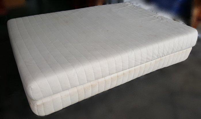 【宏品二手家具館】全新中古傢俱賣場 B91302雙人5尺床墊+床底  臥室家具 床組 床架 床底  衣櫥  化妝鏡