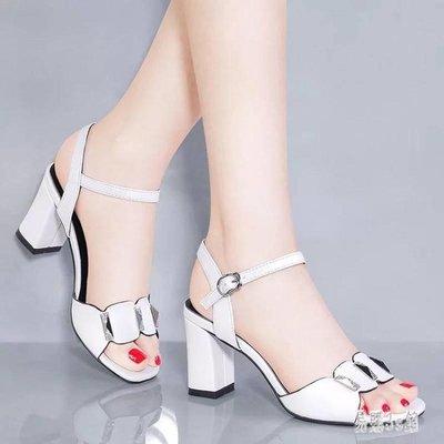 韓版時尚簡約露趾粗跟涼鞋女2019夏季新款高跟舒適一字扣女鞋 CJ3656