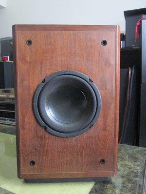 老楊音響 二手 美國LOGIC SUB 08AI 雙喇叭8吋/10吋補肋幅射主動式重低音 品相尚佳良品