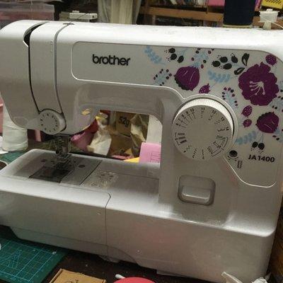 兄弟牌 Ja-1400 縫紉機 裁縫機 拼布 手作 手工 拷克機 三本機 工業車 家用車 電腦縫紉機 電子