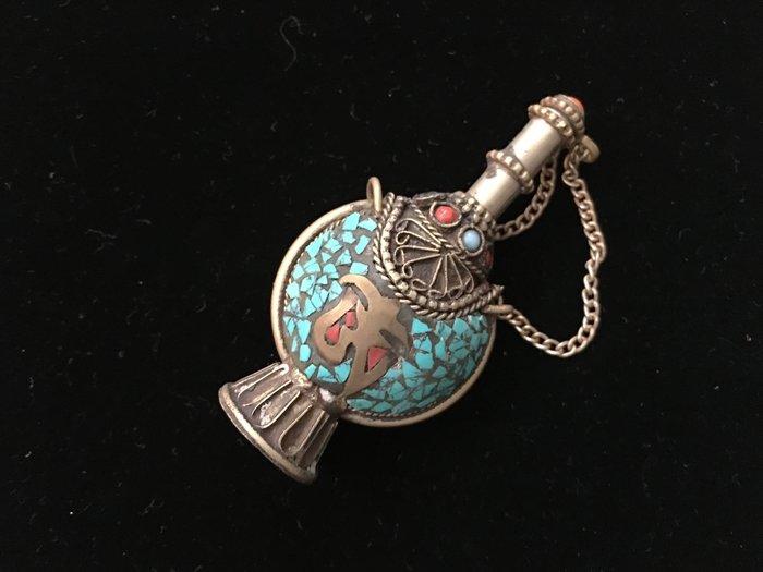綠松石珊瑚藏銀手工鑲製-古文物飾品-鼻煙壺