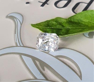 揚邵一品 鑽石白(附國際證)1.08克拉天然無燒白色藍寶石~整顆火光璀璨奪目、白璨透亮,近全美、切割優 優良品項 收藏鑲嵌都美