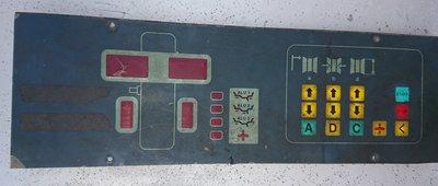 平衡機修理 操作面板更換 觸膜按鍵面板更換 請先詢問 再報價