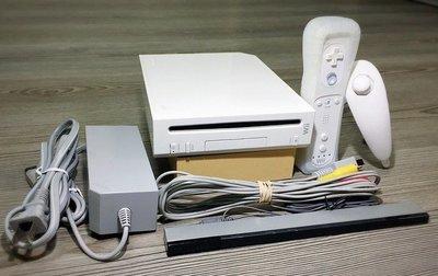 wii全套主機 (新版完整改機) 內建強化器把手--內建遊戲+再加贈正版遊戲光碟
