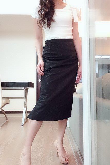 *Beauty*黑色LV LOGO 翻玩款式 側扣長窄裙3900元PH