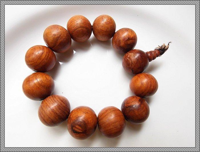 【雅之賞 藏傳 佛教文物】*特賣*優質越南黃花梨20mm手珠~040705