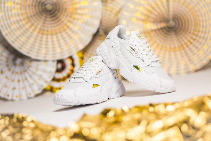 【Cheers】Adidas Falcon W 厚底 增高 復古 老爹 白金 全白 金色 英國限定 女款