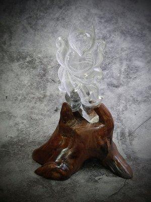 白幽靈水晶 九尾狐+樹根雕座(F56)