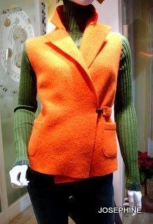 喬瑟芬【YAO SOUKA】特價$8500~時尚極簡剪裁~2010秋冬羊毛氈收腰短版背心(共4色)