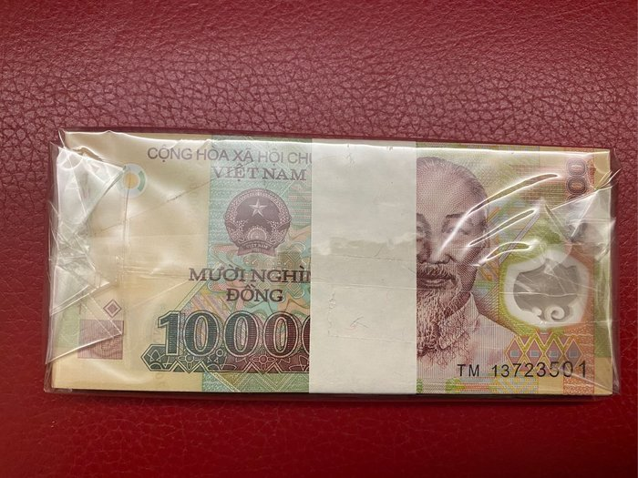 越南塑膠紙鈔10000盾《一刀全新百連 無4》