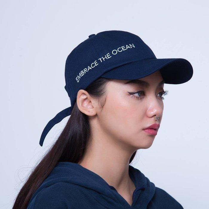 { POISON } MOONBLIND EMBRACE THE OCEAN BASEBALL CAP 刺繡彎沿老帽 藍