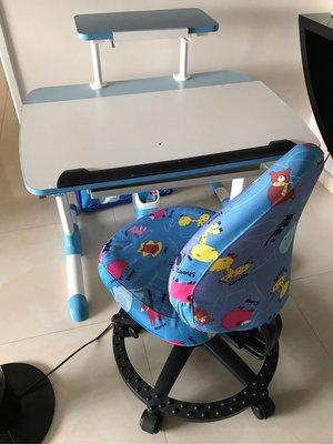 Singbee Luna 兒童成長桌及椅