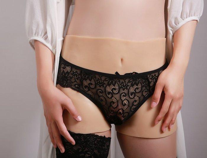 現貨 新潮流 偽娘變裝褲 四角豐臀假陰短褲 雙通道可插入可排尿  男變女精品情趣矽膠褲