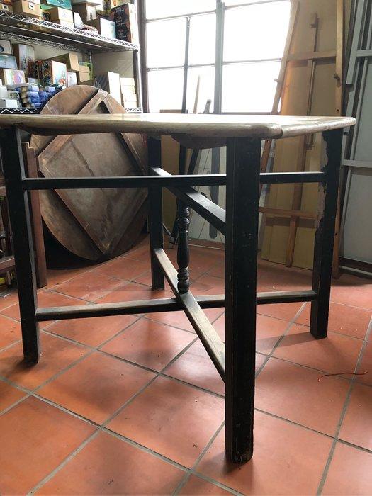 原木天然古早實木桌,87*87*85台南安平自取