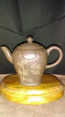 早期紫砂壺—方圓如意款式壺,泥料:青灰泥,獨孔出水,容量約200CC